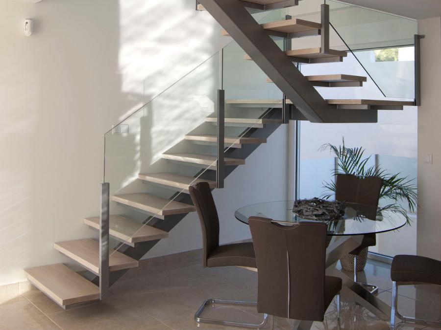 Scala bianca escaleras de eje central rectas y curvadas - Escaleras con peldanos de madera ...