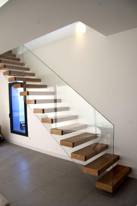 Escaleras scala bianca fabricaci n e instalaci n de escaleras for Modelos de escaleras de madera para interiores de casas