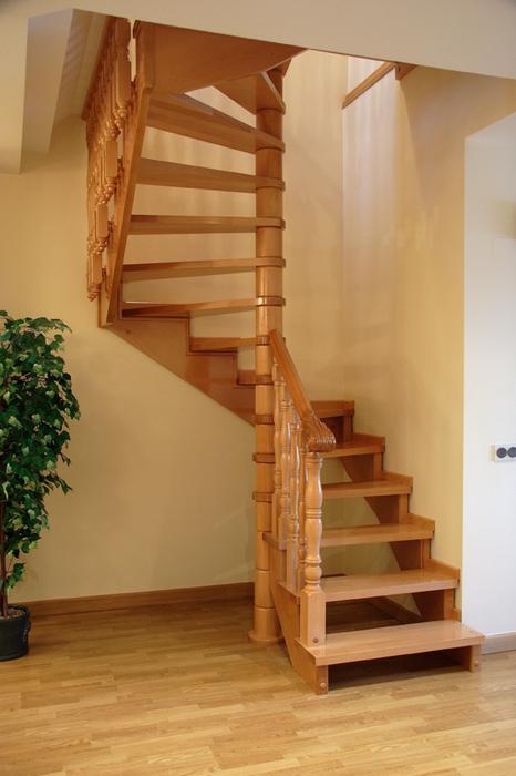 Fabricaci n de escaleras de caracol a medida for Gradas de madera para exteriores