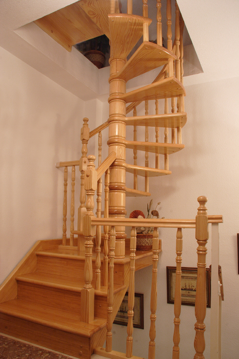 escalera de caracol modelo mixta
