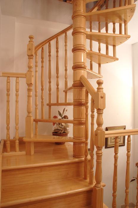 Fabricaci n de escaleras de caracol a medida - Escaleras de caracol de madera ...
