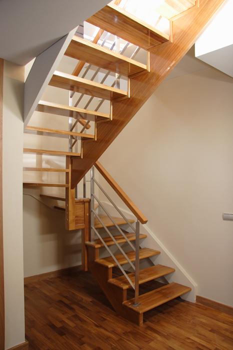 scala bianca fabricante de escaleras rectas y escaleras