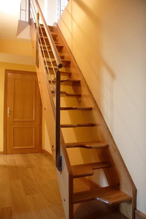 Escaleras tipo barco para espacios reducidos scala bianca - Peldanos de madera para escalera ...