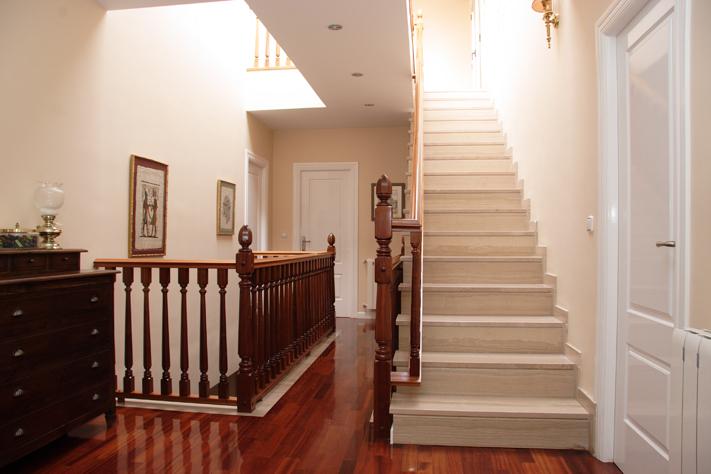 Scala bianca trabajos realizados de barandas en maderas nobles macizas - Barandas para escaleras ...