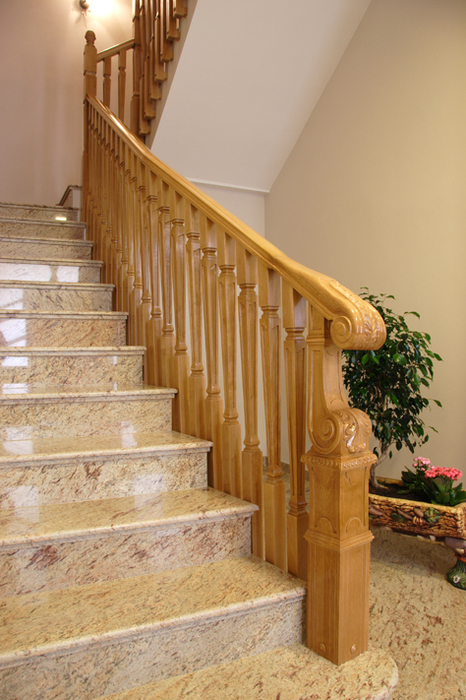 Scala bianca todas son barandas exclusivas realizadas por nosotros - Barandas de madera para escaleras ...