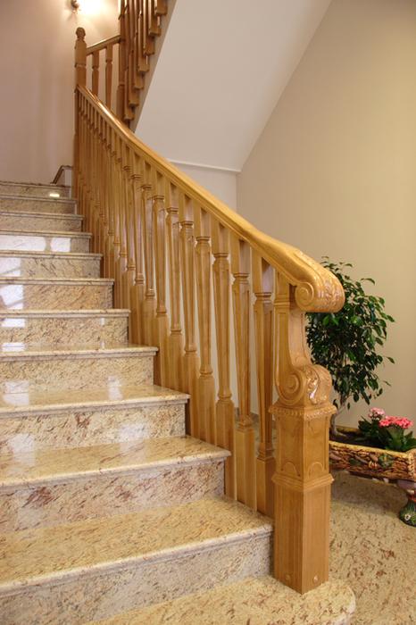 Scala bianca todas son barandas exclusivas realizadas por nosotros - Baranda de madera ...