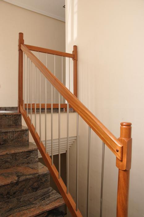 Scala bianca barandas de aluminio for Ver escaleras
