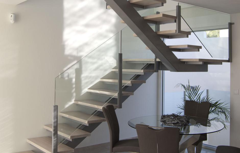 Scala bianca escaleras de madera todo en escaleras de - Escaleras de cristal y madera ...