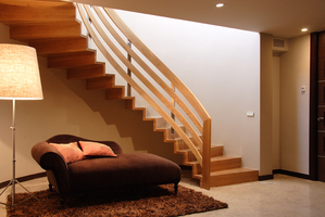 Escaleras, escalera de madera curvada