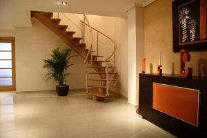Escaleras, escalera de eje central