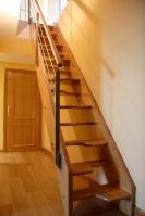 Escaleras, escalera de madera recta